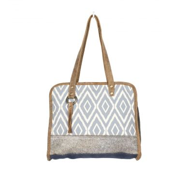 Trembling Tote Bag