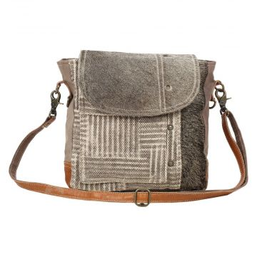 EDGE FLAP SHOULDER BAG