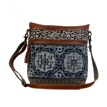 Weblike Shoulder Bag